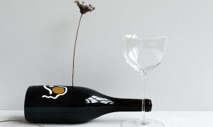 お酒好きの女性に贈りたいお酒のグラスのギフト