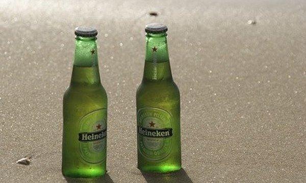 ビアグラス付きビールのセット