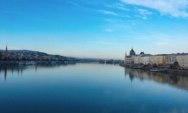 ドナウ川にかかる橋が美しい街ハンガリー・ブダペスト