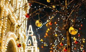 アレクサのクリスマスオリジナルソング「サンタさんって本当にいるの?」の歌詞