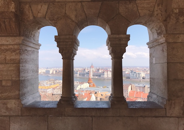 ブダペスト旅行の記念の一枚を撮るのにおすすめの「漁夫の砦(Fisherman's Bastion)」