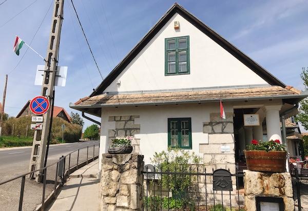 おいしい中欧料理とワインのお店「Rókusfalvy Fogadó」@エチェク(Etyek)
