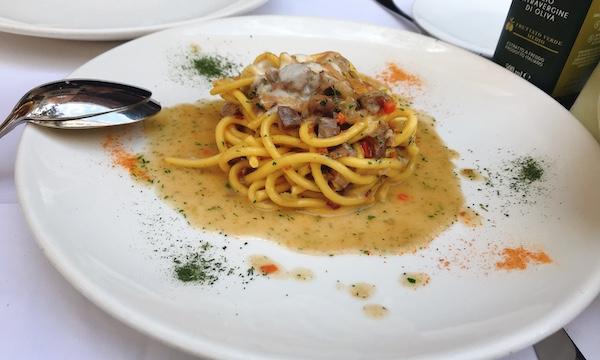 ハンガリー・ブダペストの有名イタリアン「Trattoria Pomo D'Oro(ポモドロ)」へ