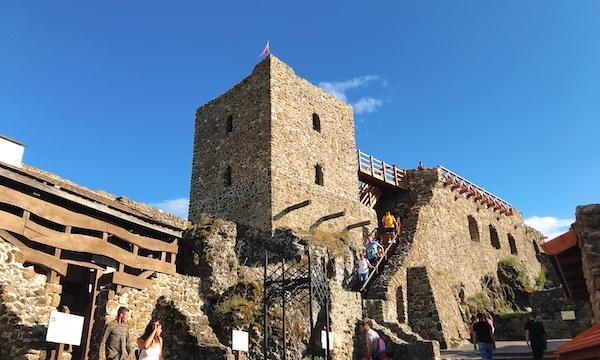 バラトン湖へ旅行その2〜古城「Szigliget」へ〜